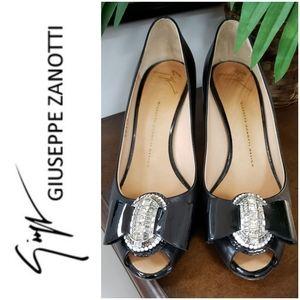 Giuseppe Zanotti Sz 8.5 black patent pump